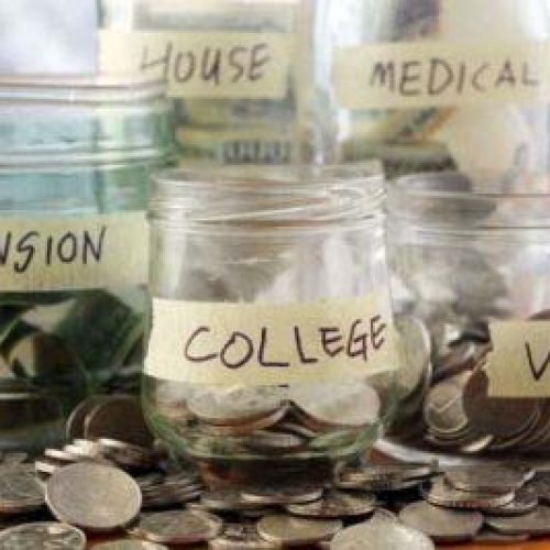 Be financially savvy: start a saving plan now!