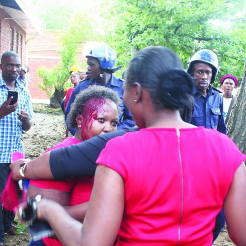 Mosisili's supporters beaten up