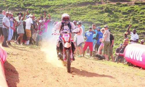 Three qualify for Roof of Africa race