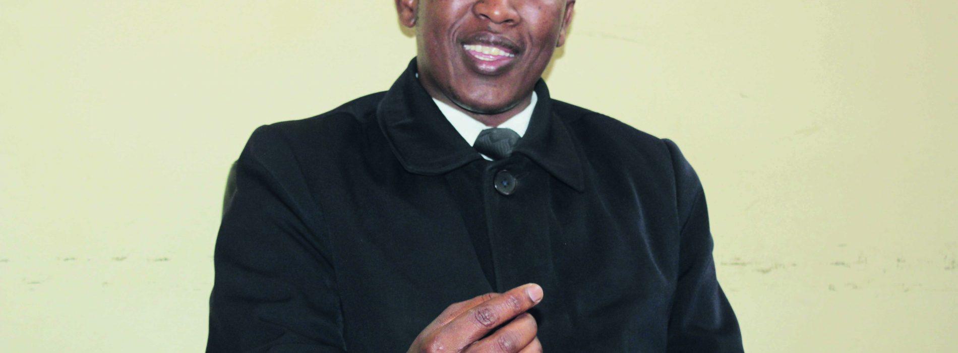 Court interpreters threaten to sue