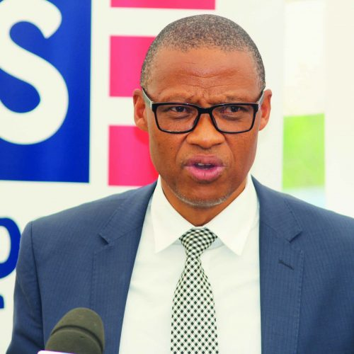 Minister pleads with teachers