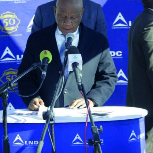 Thabane promises 8 400 jobs in Tikoe