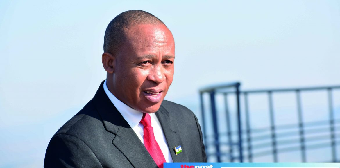 DC joins fight against Thabane