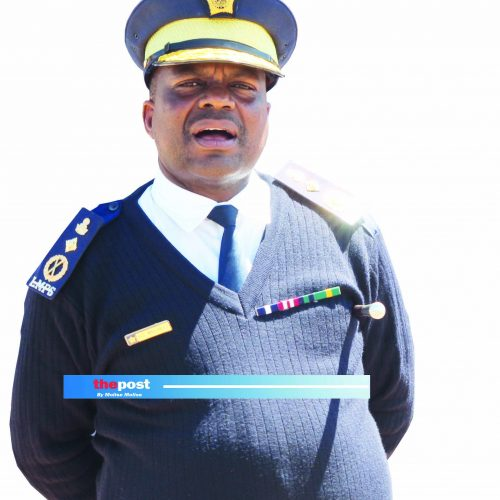 Police boss  threatens  crackdown