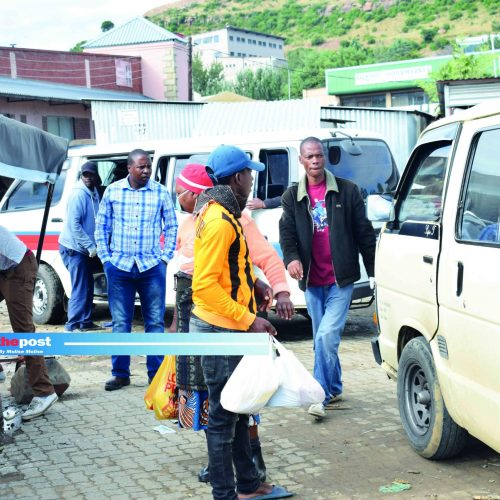 Taxi bosses threaten pull-out