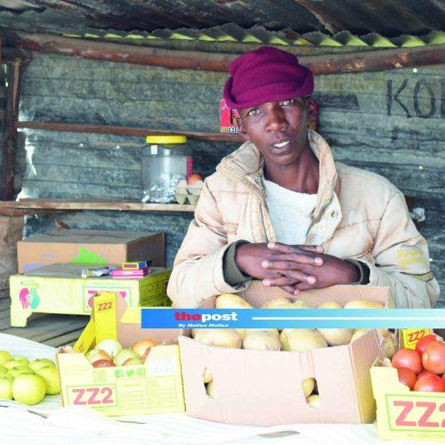 Street vendors  on the edge