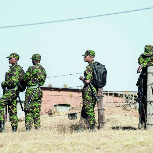Army detains 28 'gangsters'
