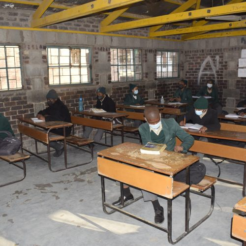 Teachers want schools closed  to stop Covid infections