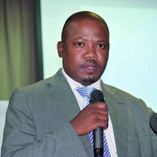 Maj Gen Motoa  begs for minister's  intervention